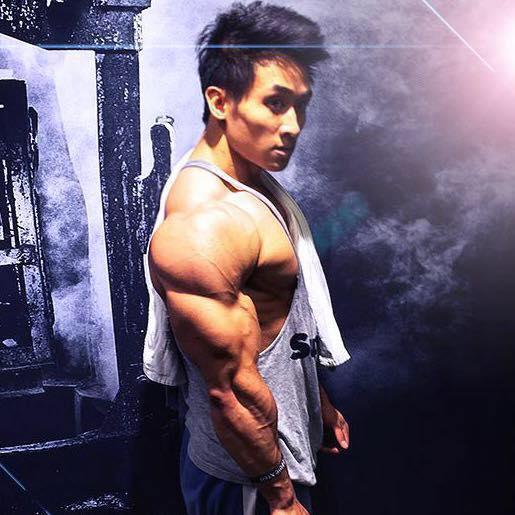 Cơ bắp cuồn cuộn của chàng Việt kiều đẹp trai như tài tử - 1