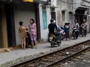 Tin tức trong ngày - Mẹ bắt con trần truồng trên phố: Phạt không có nghĩa là đày ải!