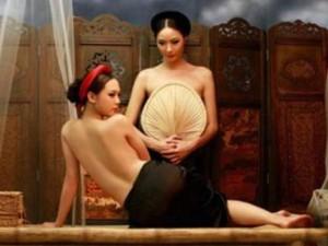 Thời trang - Ngoài chụp nude, luật cấm cạo đầu cũng từng gây xôn xao