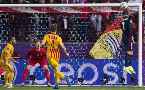 """Chùm ảnh: Barca """"sa lầy"""" ở Vicente Calderón - 3"""