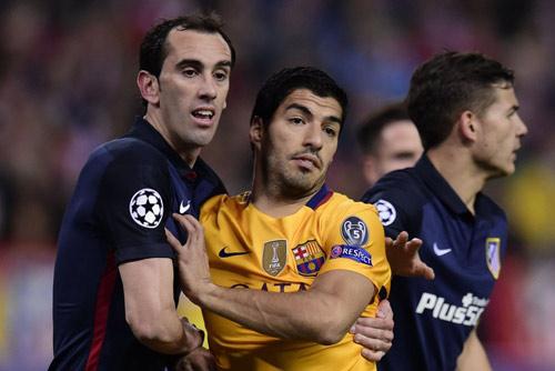 """Chùm ảnh: Barca """"sa lầy"""" ở Vicente Calderón - 5"""