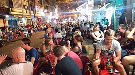 Góc khuất Sài Thành: Mại dâm Tây ở phố Tây - 1
