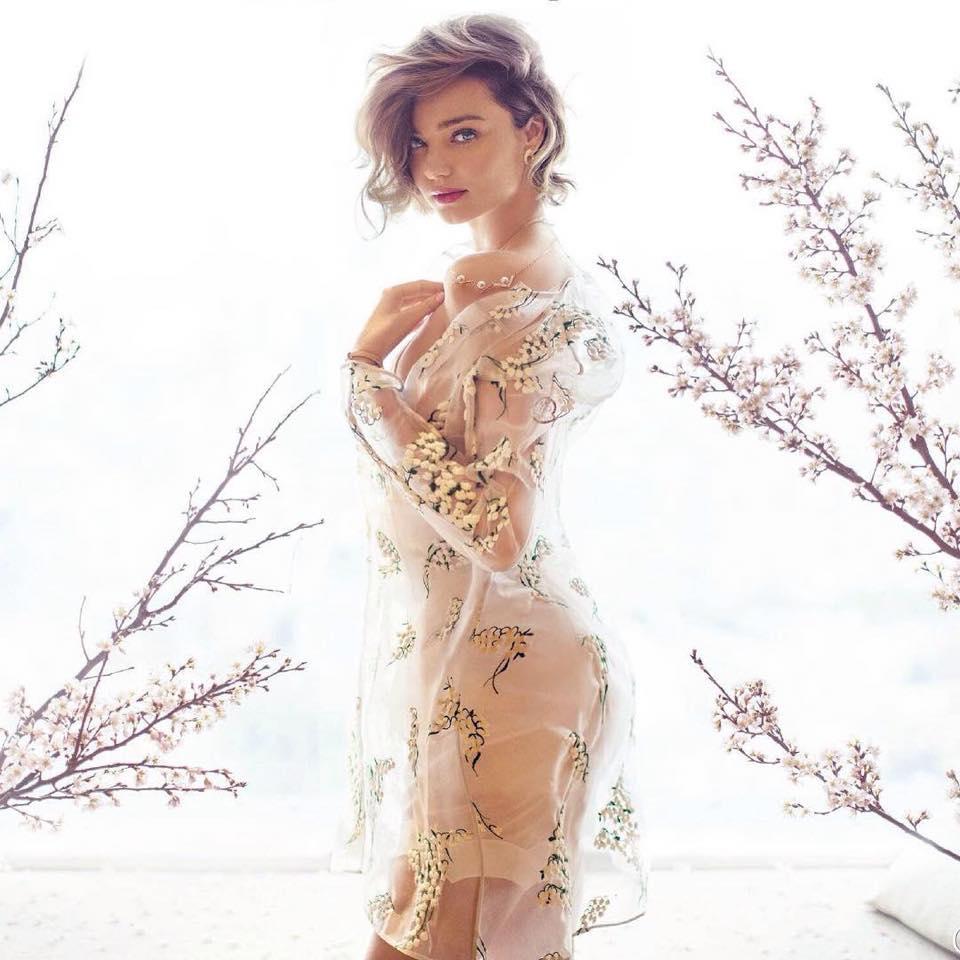 Miranda Kerr đầy mê hoặc với nội y và váy trong suốt - 2
