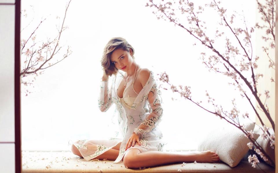 Miranda Kerr đầy mê hoặc với nội y và váy trong suốt - 6