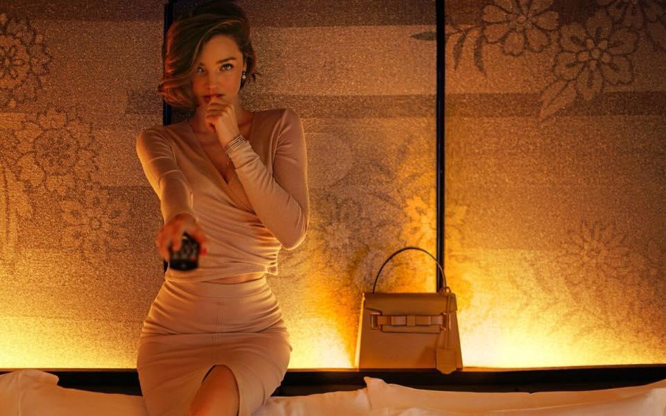 Miranda Kerr đầy mê hoặc với nội y và váy trong suốt - 8