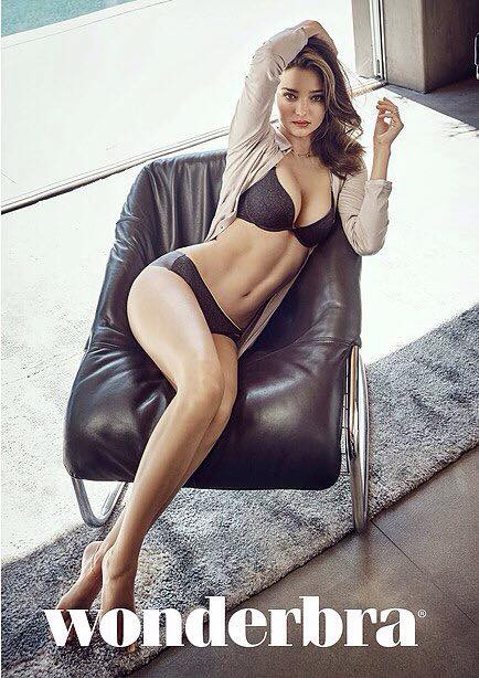 Miranda Kerr đầy mê hoặc với nội y và váy trong suốt - 11