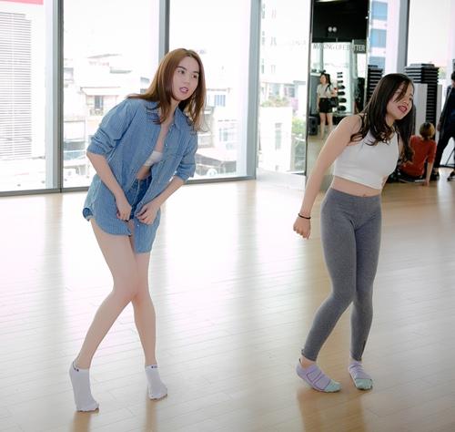 """Ngọc Trinh gợi cảm tập nhảy cho """"Bước nhảy hoàn vũ"""" - 6"""