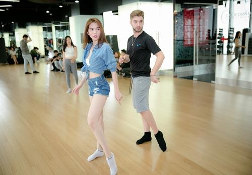 """Ngọc Trinh gợi cảm tập nhảy cho """"Bước nhảy hoàn vũ"""" - 8"""