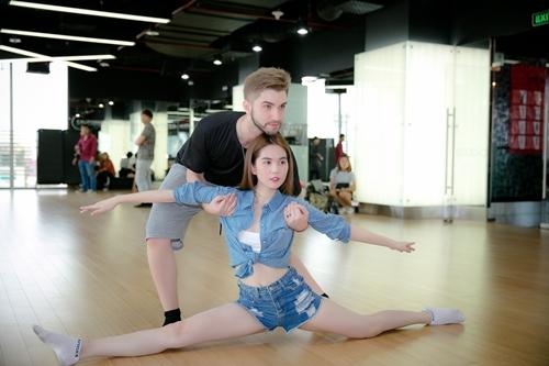 """Ngọc Trinh gợi cảm tập nhảy cho """"Bước nhảy hoàn vũ"""" - 12"""