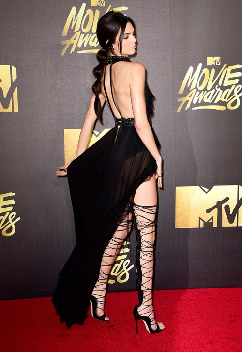 Bộ sưu tập giày dây buộc tuyệt đẹp của Kendall Jenner - 5