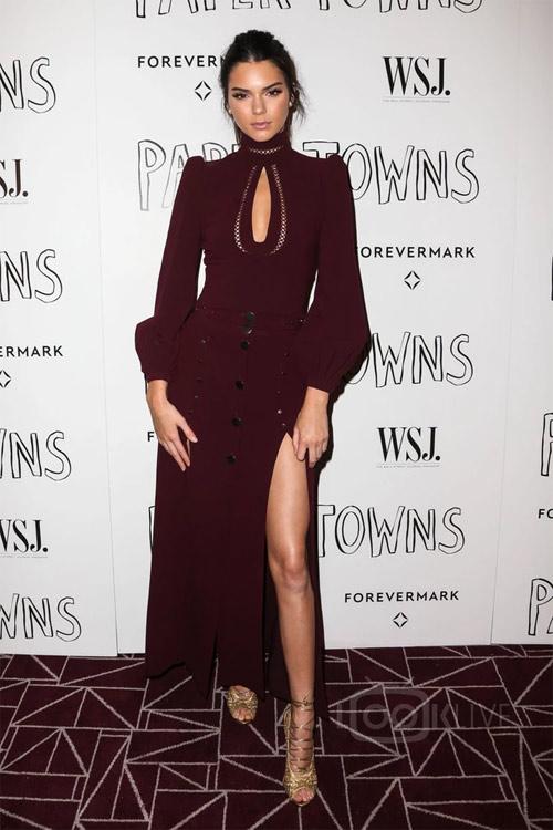Bộ sưu tập giày dây buộc tuyệt đẹp của Kendall Jenner - 10
