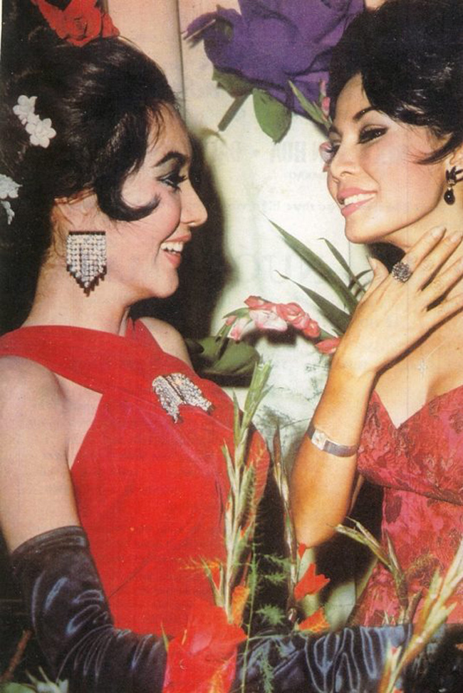 Hai cô đào Thẩm Thúy Hằng và Kim Vui - biểu tượng sắc đẹp của những năm 60 ở Sài Gòn. Thời này, các người đẹp đã bắt đầu làm tóc, trang điểm theo mốt của phương Tây.