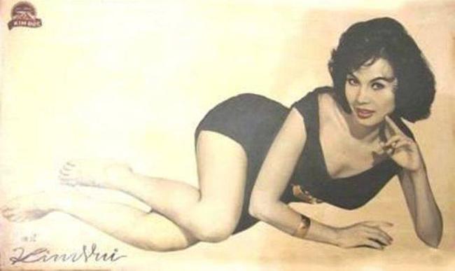 Nữ diễn viên Kim Vui là một trong những biểu tượng gợi cảm thời đó. Thời điểm này, các giai nhân như Kim Vui thường chăm sóc sắc đẹp bằng các sản phẩm tự nhiên như phấn nụ, son gió...
