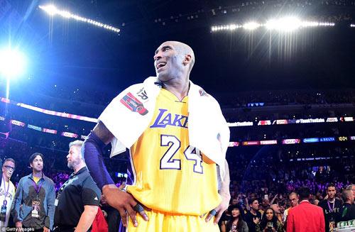 Bóng rổ: Kobe Bryant xô đổ kỷ lục ngày giải nghệ - 1