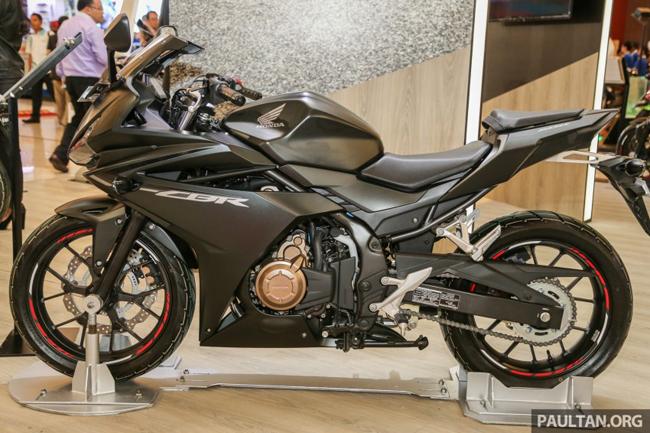 Đây là chiếcsportbike tầm trung CBR500R phiên bản mới năm 2016 với thiết kế theo xu hướng superbike.