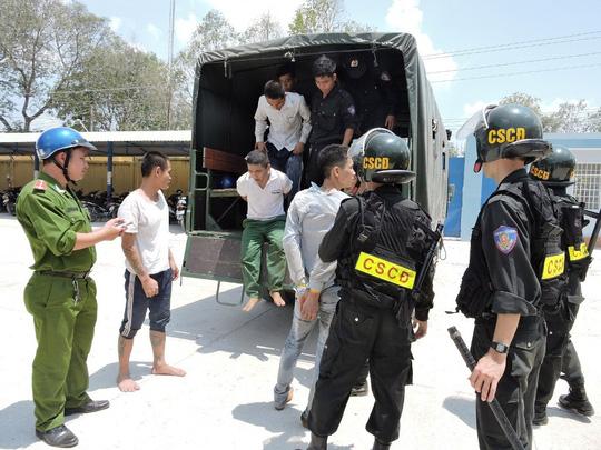 447 học viên trốn trại cai nghiện vì bị kích động - 1