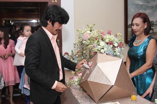 Công Ninh và vợ kém 22 tuổi dự cưới Lương Thế Thành - 3