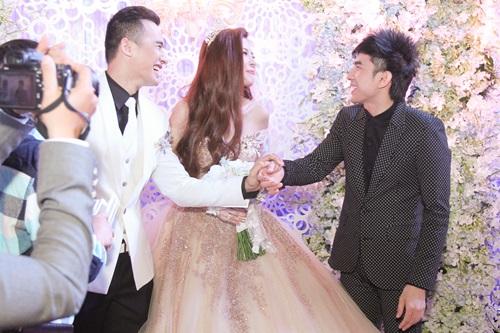Công Ninh và vợ kém 22 tuổi dự cưới Lương Thế Thành - 6