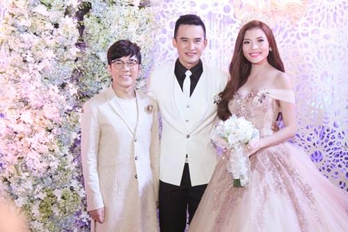 Công Ninh và vợ kém 22 tuổi dự cưới Lương Thế Thành - 12