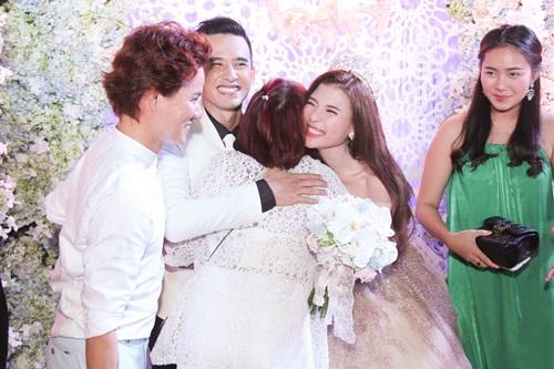 Công Ninh và vợ kém 22 tuổi dự cưới Lương Thế Thành - 9