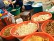 """Măng """"tắm"""" vàng ô tràn ngập chợ Quảng Trị"""