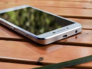 Đánh giá Lenovo K5 Plus: Màn hình đẹp, cấu hình mạnh