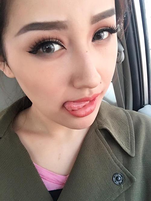 """Đồng loạt mỹ nhân Việt chụp hình """"làm xấu"""" bản thân - 6"""