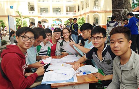 Khó cấm sinh viên bình luận dung tục - 1