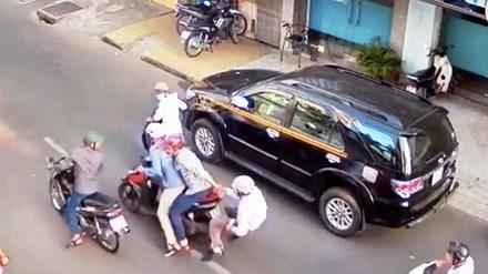 """Góc khuất Sài Gòn: Bí ẩn """"phù thủy"""" đường phố - 1"""