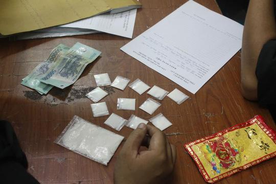 TP HCM: Bắt kẻ đưa hối lộ để thoát tội bán ma túy - 2