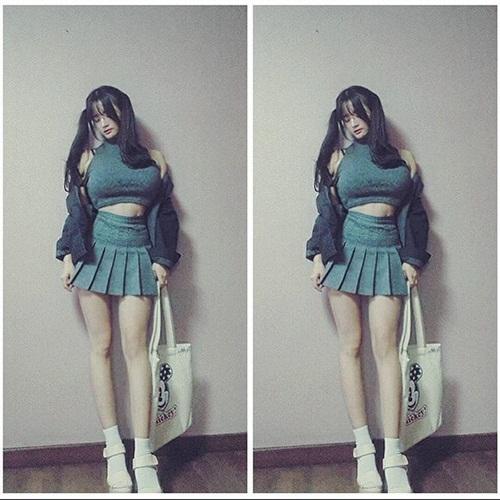 """Cô giáo Hàn Quốc nổi tiếng vì có vòng một """"ngộp thở"""" - 11"""