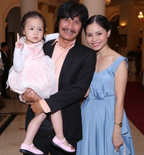 Công Ninh và vợ kém 22 tuổi dự cưới Lương Thế Thành - 2