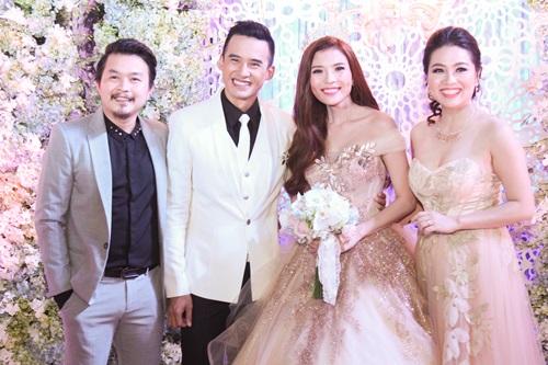 Công Ninh và vợ kém 22 tuổi dự cưới Lương Thế Thành - 4
