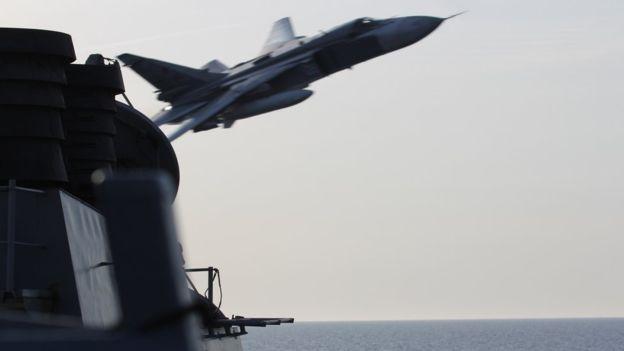 Mỹ cảnh báo bắn hạ máy bay Nga khiêu khích - 1