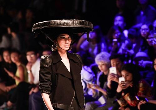 Xuân Lan làm vedette ở Tuần lễ thời trang Thượng Hải - 2