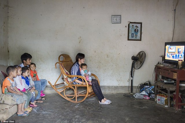 Ảnh: Lấy chồng, làm mẹ ở tuổi 13 tại Trung Quốc - 11