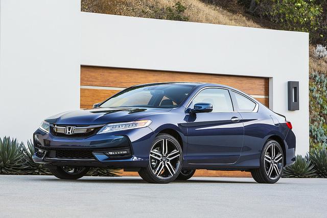 """Những chiếc coupe """"xinh đẹp"""" giá dưới 30.000 USD (P1) - 6"""