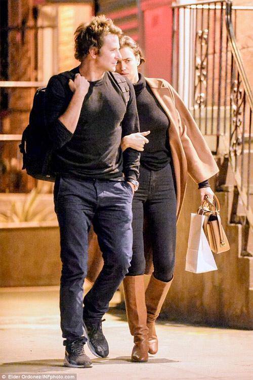 Irina Shayk khoe vòng 1 nóng bỏng bên người tình - 8