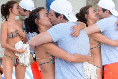 Irina Shayk khoe vòng 1 nóng bỏng bên người tình - 12