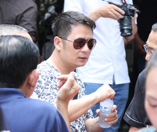Bằng Kiều bồi hồi viếng nhạc sĩ Nguyễn Ánh 9 - 5