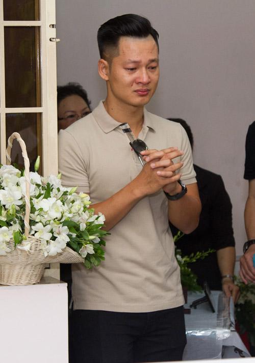 Bằng Kiều bồi hồi viếng nhạc sĩ Nguyễn Ánh 9 - 10