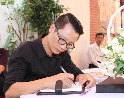Bằng Kiều bồi hồi viếng nhạc sĩ Nguyễn Ánh 9 - 8