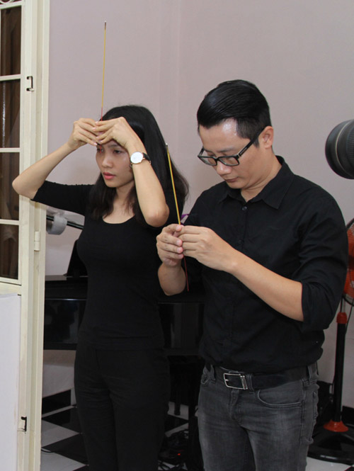 Bằng Kiều bồi hồi viếng nhạc sĩ Nguyễn Ánh 9 - 6