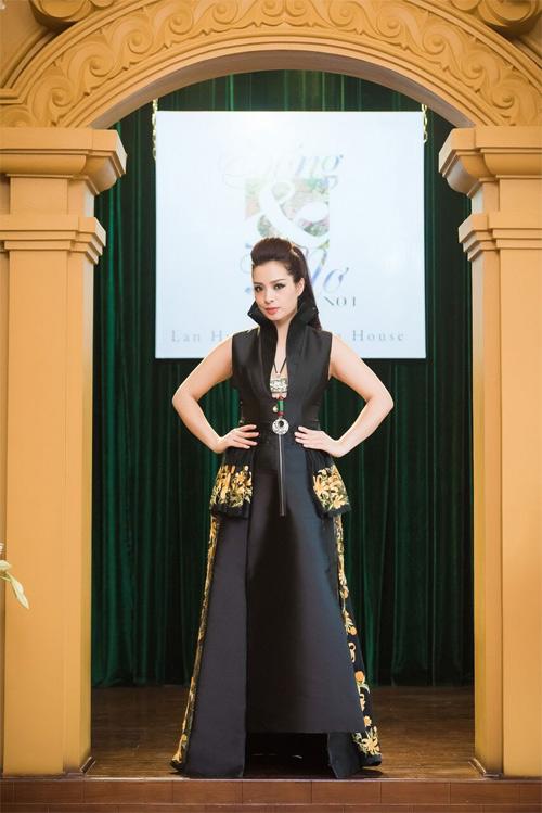 Những thiết kế xuyên thấu quyến rũ của nghệ nhân áo dài - 3