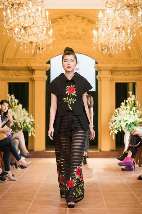 Những thiết kế xuyên thấu quyến rũ của nghệ nhân áo dài - 7