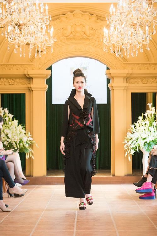 Những thiết kế xuyên thấu quyến rũ của nghệ nhân áo dài - 8
