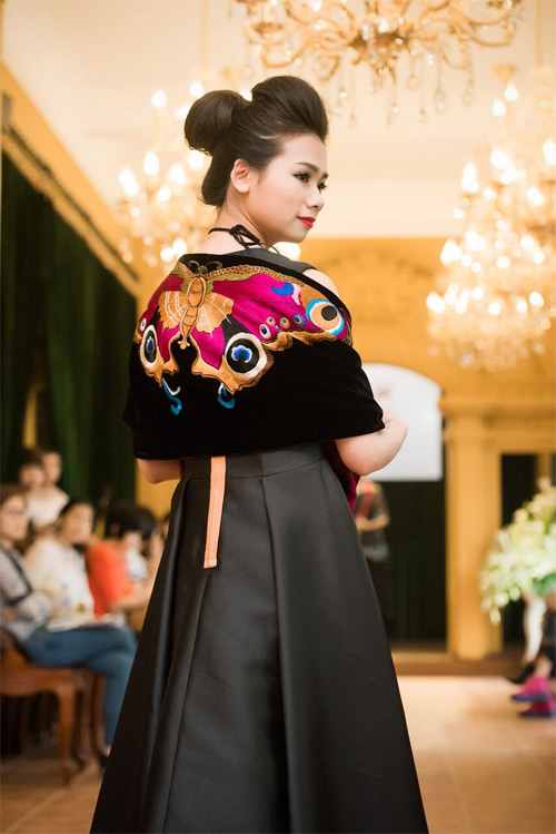 Những thiết kế xuyên thấu quyến rũ của nghệ nhân áo dài - 10