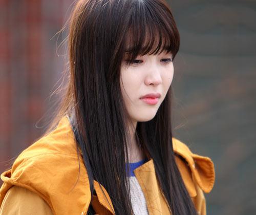 """""""Em gái quốc dân"""" IU kể mặt tối của showbiz trong phim - 3"""