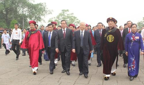 Tổng Bí thư cùng nhân dân dâng hương tưởng nhớ các Vua Hùng - 2