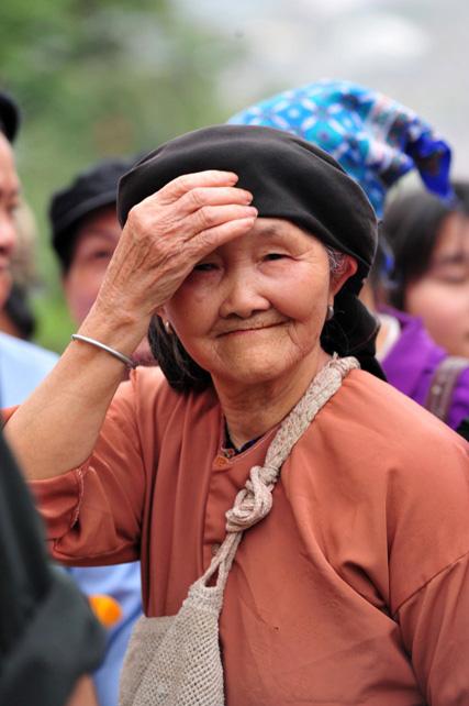 Ảnh: Giỗ Tổ, người dân đổ về Đền Hùng như dòng thác - 5